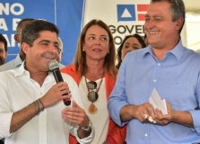 Rui Costa e ACM Neto se reúnem para lançamento de equipamento em Salvador