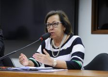 PSB deve anunciar Lídice de Mata como pré-candidata à prefeitura de Salvador