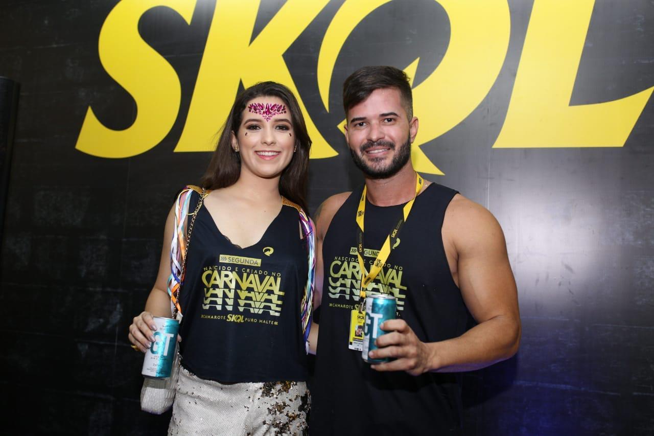 Marcos March e Larissa Ramalho