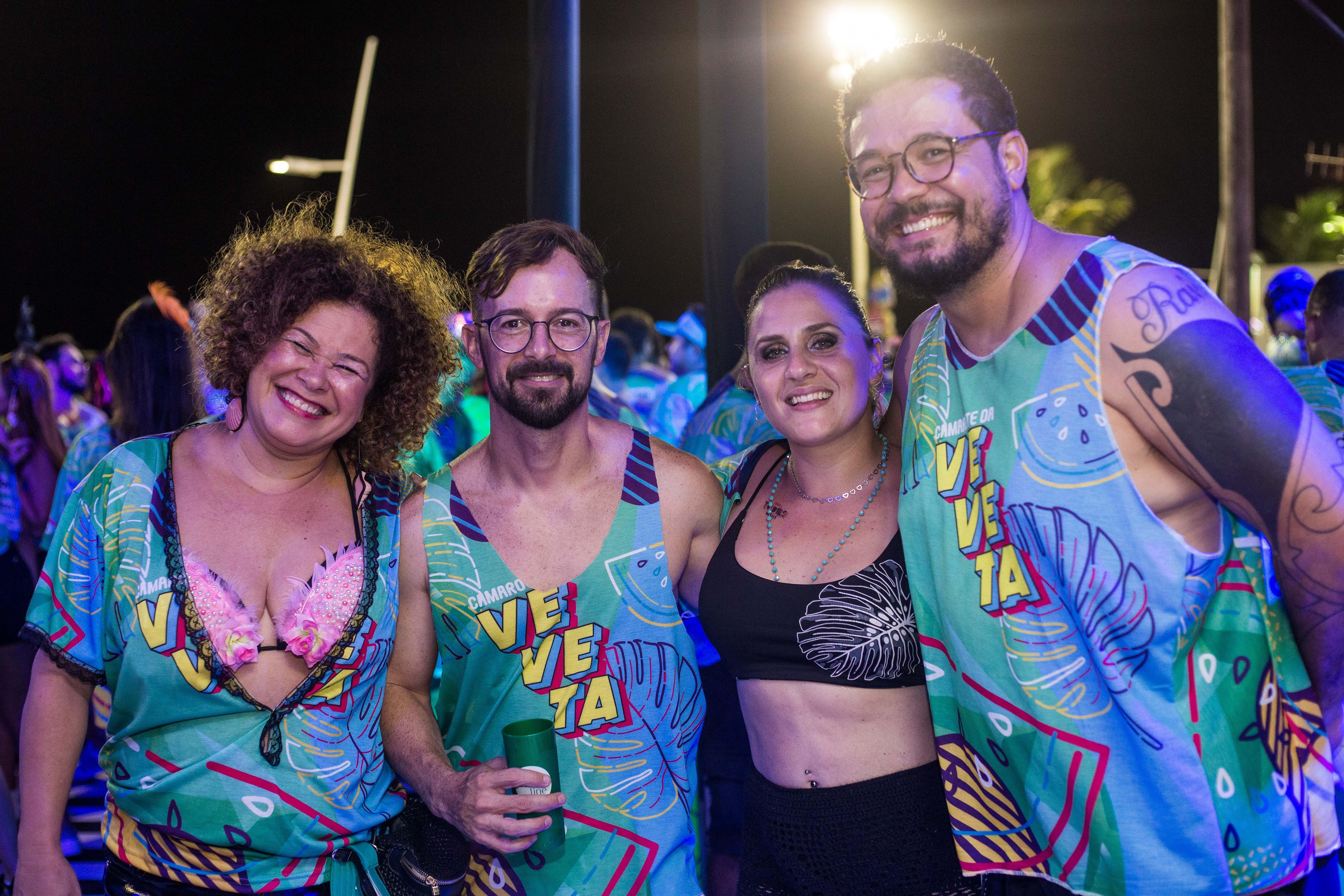 Lia Pinho, Pedro e Bruna Passos e Ricardo Silva