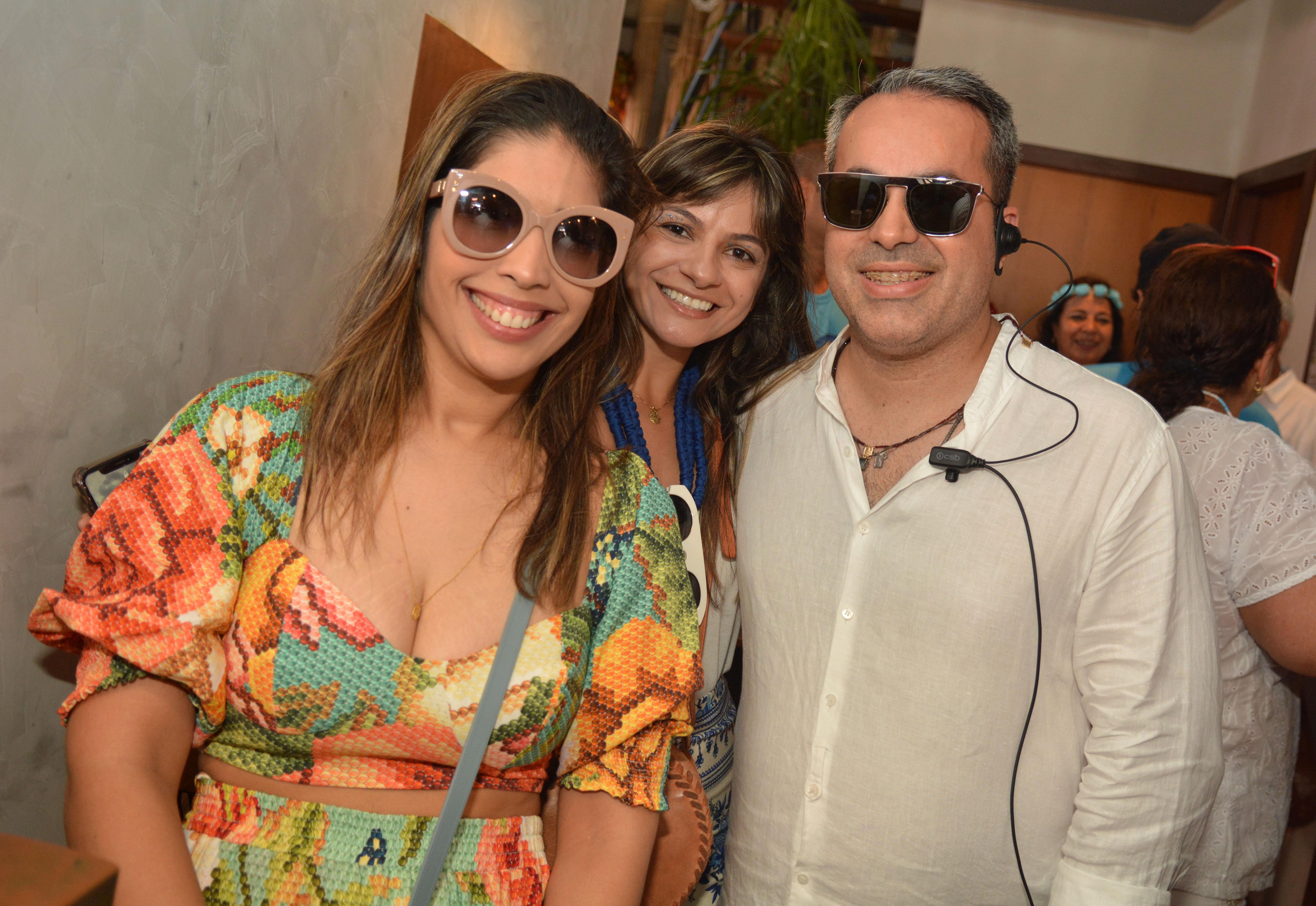Camila Tabosa, Alice Sá e Ginno Larry