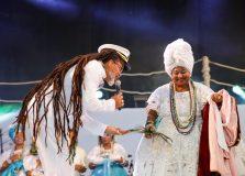 Carlinhos Brown promoveu espetáculo em homenagem à Rainha do Mar