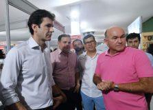Ministro do Turismo visitou a Central do Carnaval