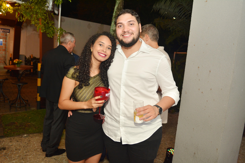 Thuany Oliveira e Matheus Fialho