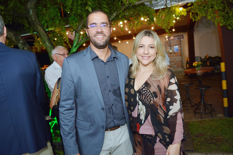 Hugo Gomes e Aline Caetano