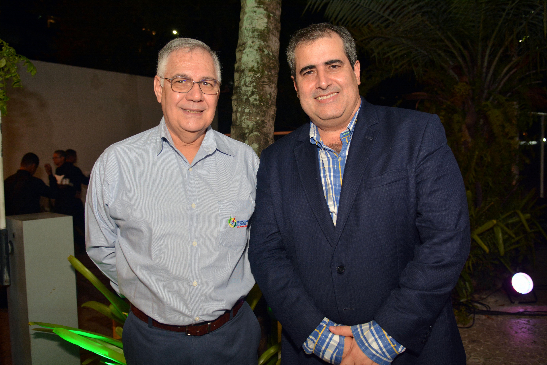 Arinor Souza e Eduardo de Sá