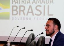 Após divergências, Júlio Croda deixa Ministério da Saúde
