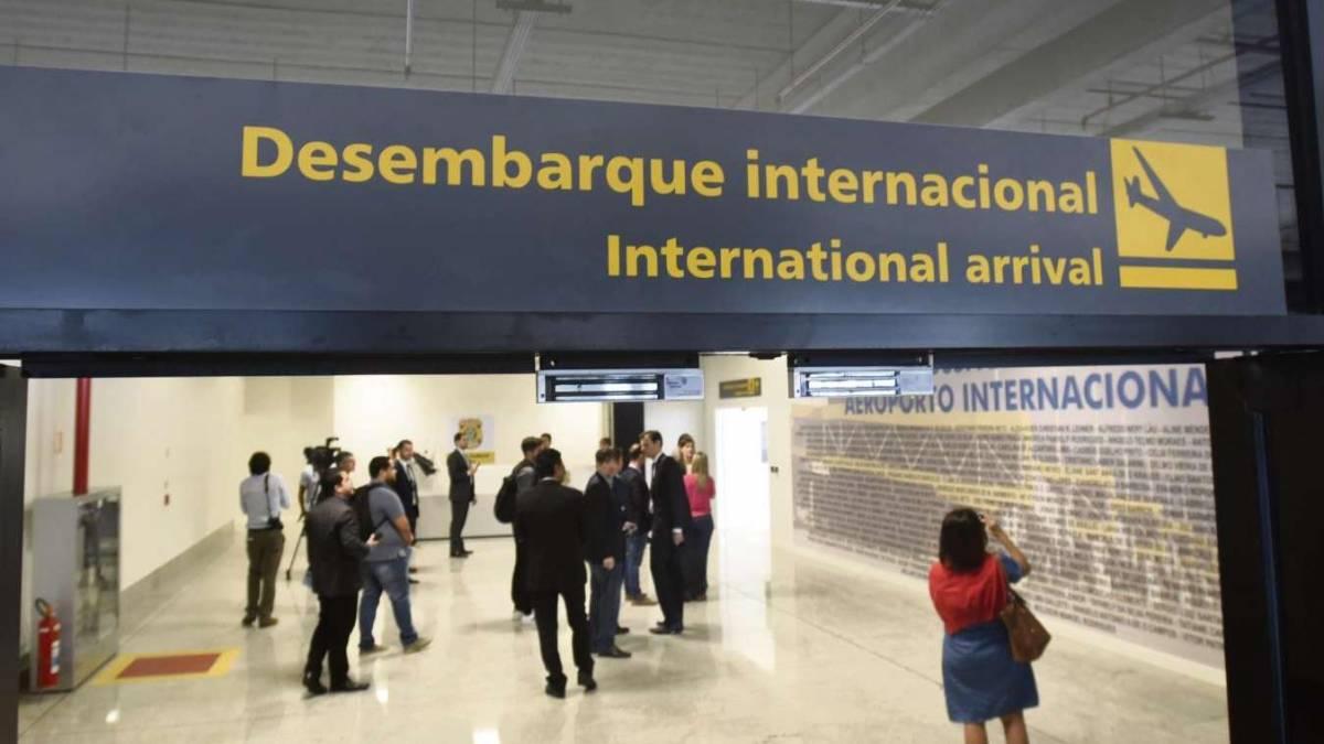 GOVERNO FEDERAL LIBERA ENTRADA DE ESTRANGEIROS EM TODOS OS AEROPORTOS DO  BRASIL