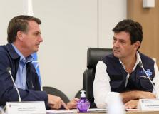Mandetta diz que não vai pedir demissão nem seguir Bolsonaro