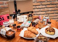 Coffeetown lança brunch completo e kits para delivery