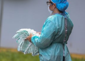Ministério da Saúde cadastra veterinários, dentistas e psicólogos para combater coronavírus