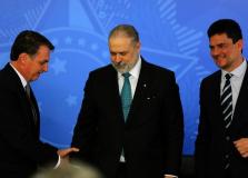 Aras pede que PF recupere registro de reunião entre Moro e Bolsonaro