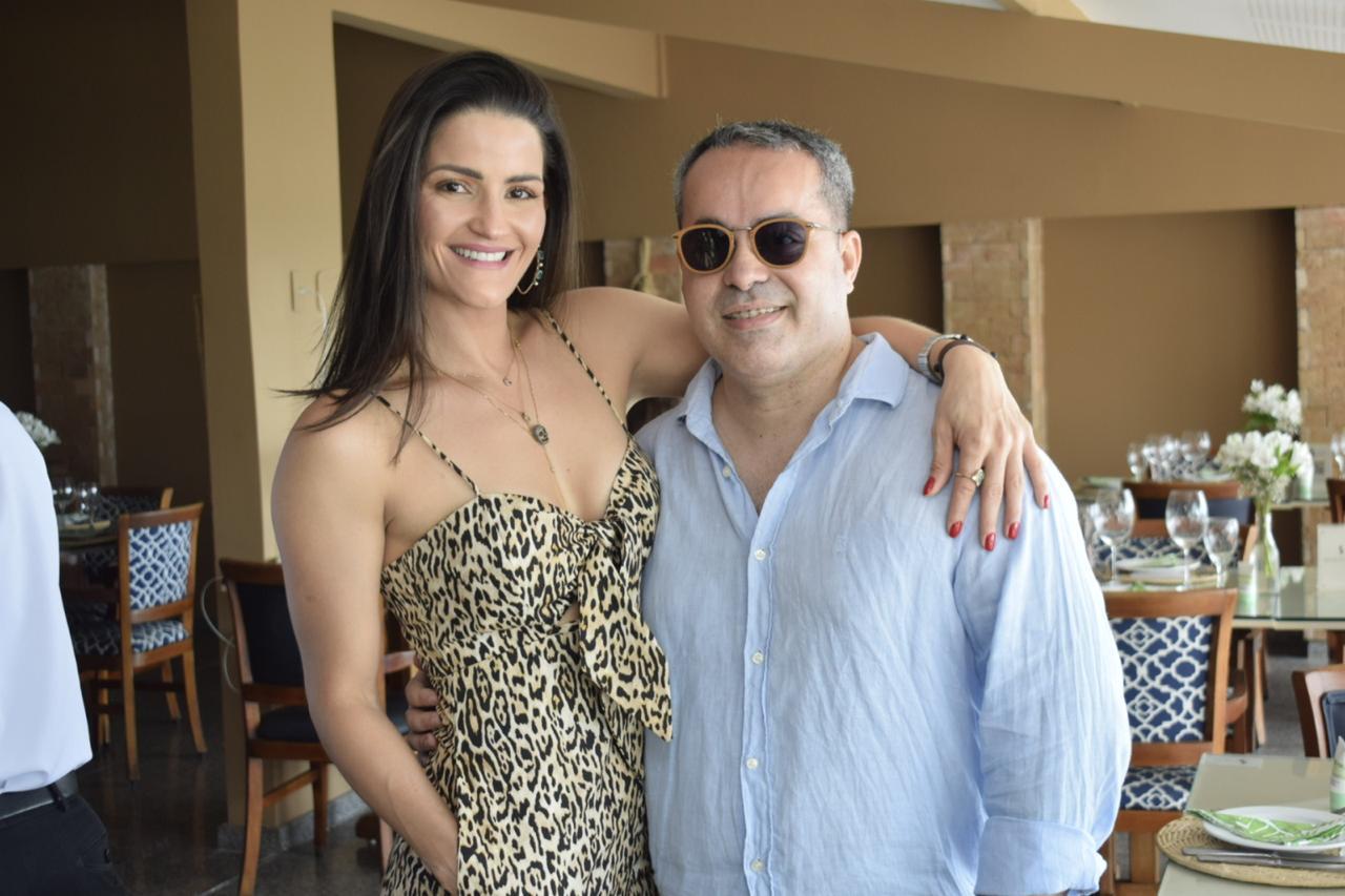 Carol Rios e Ginno Larry no Restaurante Pedra da Sereia.
