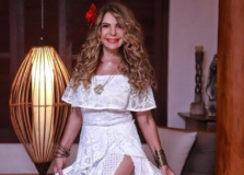 Elba Ramalho vai realizar live de aniversário direto de Trancoso