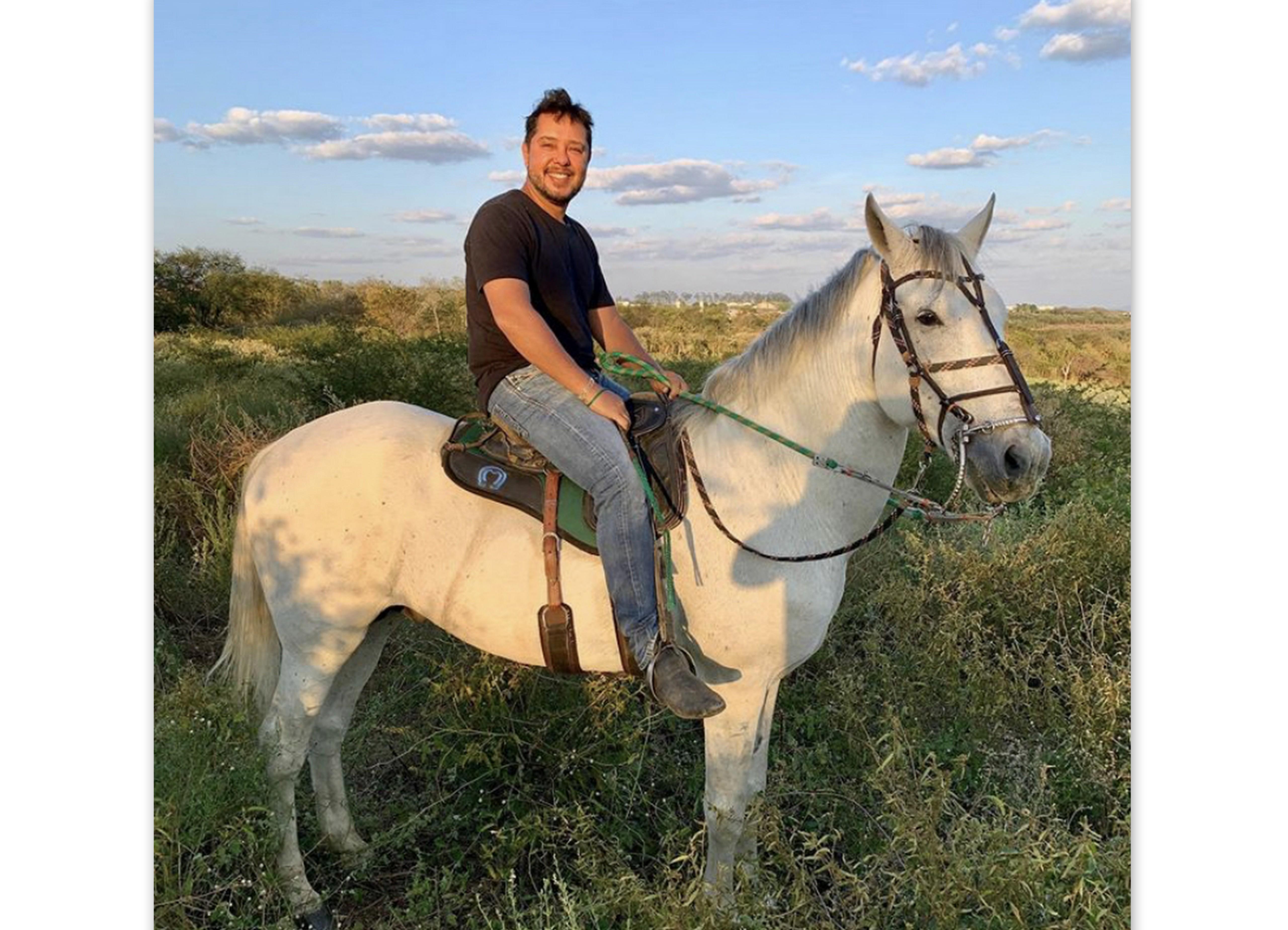 Andreiv Vasconcelos na fazenda, em Senhor do Bonfim