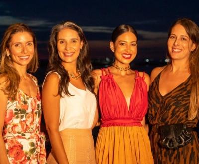 Renata Rangel reuniu amigas em happy hour para celebrar aniversário no Amado