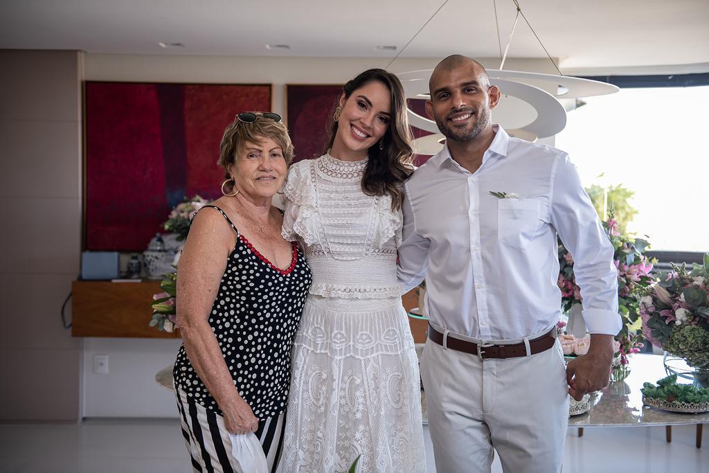 Ana Carolina Porto e Flávio Simas com Irene Porto