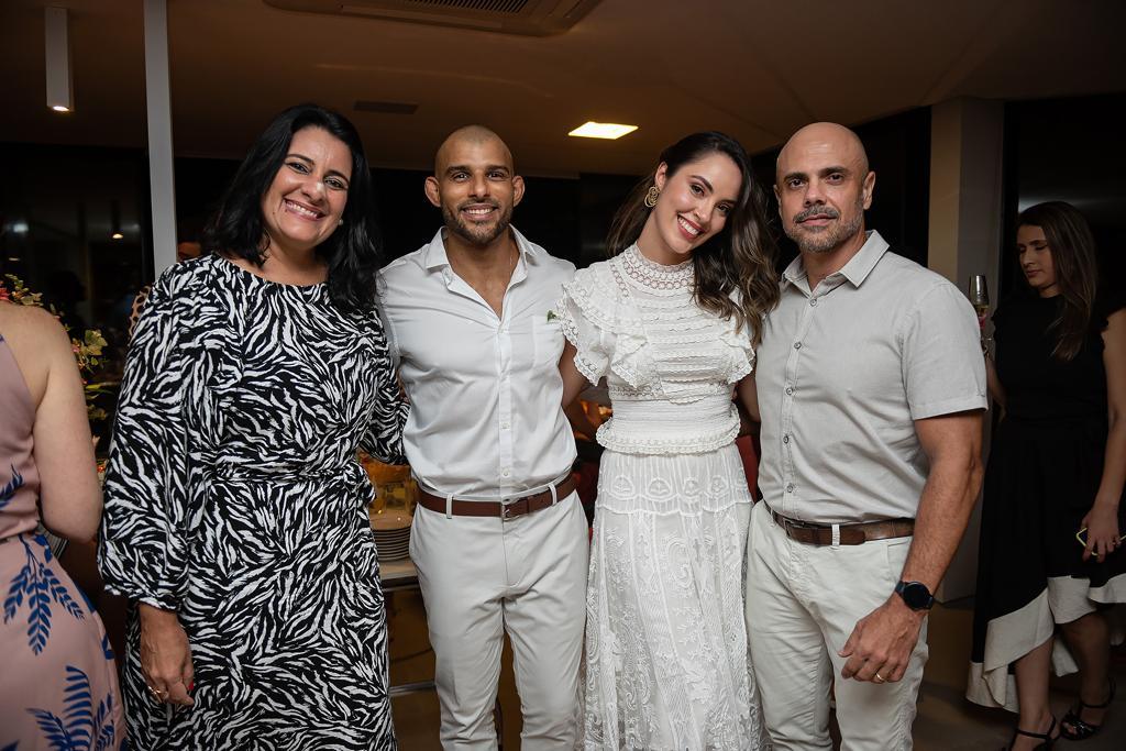 Ana Carolina Porto e Flávio Simas com Marlon Porto e Laila Cortes