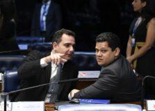 Davi Alcolumbre e Rodrigo Pacheco desembarcam em Salvador para encontro com políticos